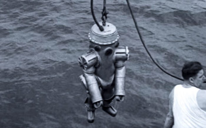 The Metal Diving Suit That Reached the Sea Floor