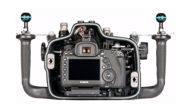nauticam-canon-5div-06